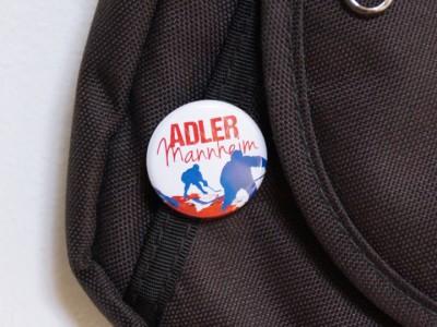 Produkt_Button_Adler_MA_Eishockeyspieler